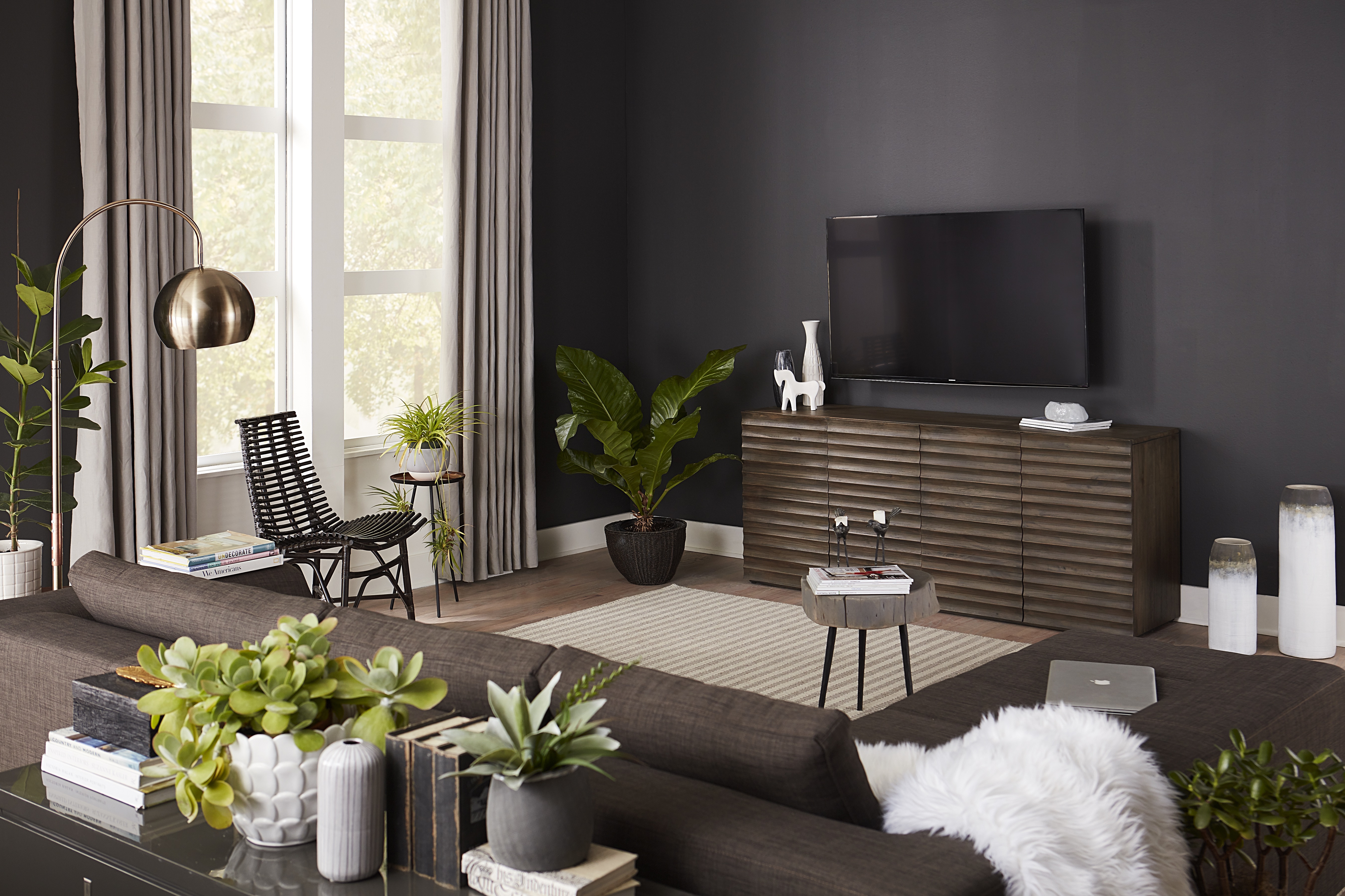 Why Your Tv Wall Is Practically Made For The Dark Wall Trend